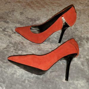 Orange/Red suede Fergie pointed heels!!